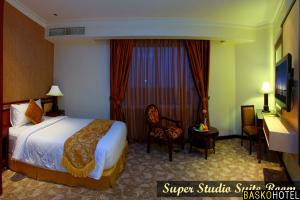 Super Studio Suite